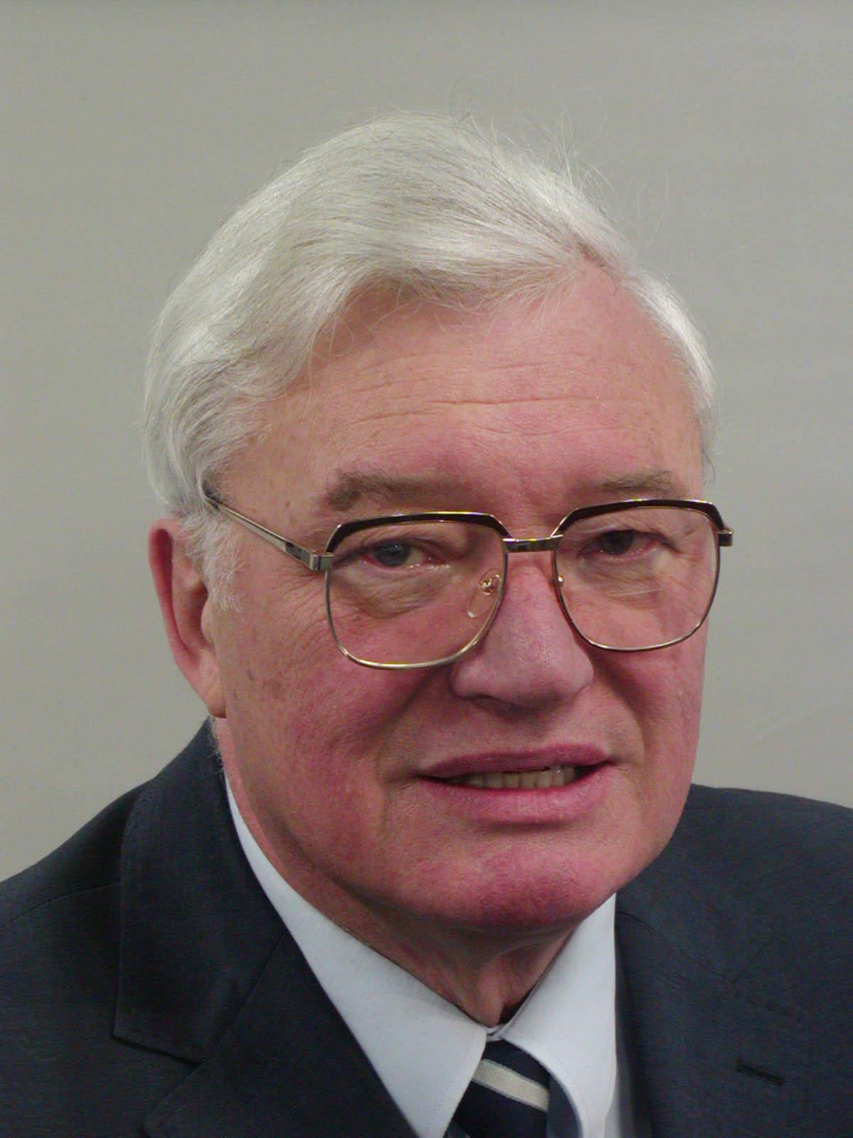 Lebenslauf - Schwob, Anton, Em.Univ.-Prof. Dr.