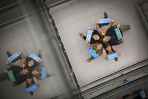Beim Studium an der Universität Graz lernst du viele neue Leute kennen. Foto: Uni Graz/Lunghammer