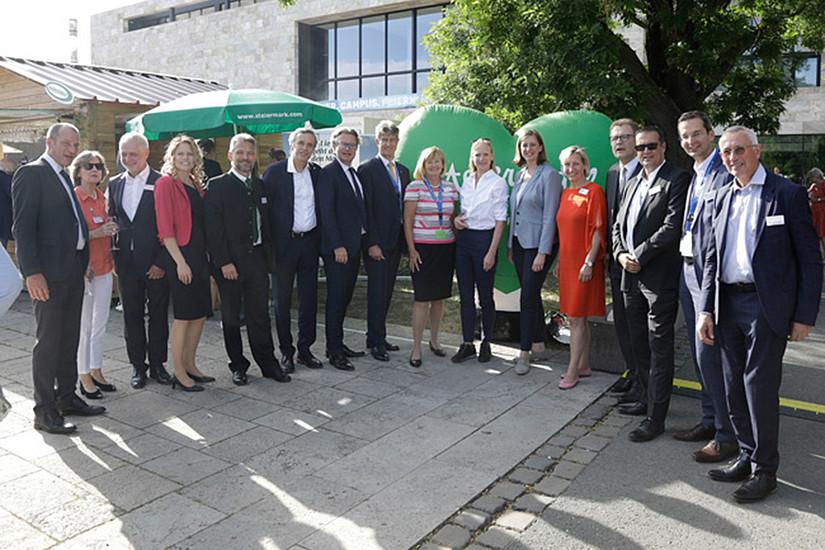 RektorInnen und weitere VertreterInnen steirischer Hochschulen und Forschungseinrichtungen vernetzten sich mit KollegInnen der Goethe-Universität. Foto: Goethe-Universität