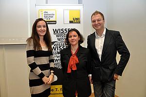 Theresia Heimerl (Mitte) zu Gast bei Elisabeth Holzer und Oliver Pink in der Live-Redaktion der Uni Graz