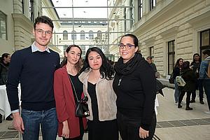 Willkommen: Aida Bayo Plata, Liu Panpan, Irene Concian und Luca Cirio (v.r.) sind die ersten vier Arqus-Studierenden in Graz. Foto: Uni Graz/Leljak.