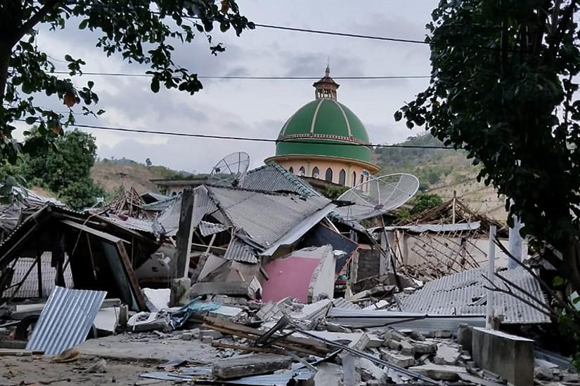Die beim Erdbeben zerstörte Moschee im Dorf Mentigi auf Lombok. Foto: Trevor Chee & Kyle Chee