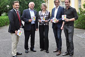 Institutsleiter Gutschelhofer mit den Vortragenden Kailer, Volkmann, Weber und Organisator Ruhri (v.l.) Foto: Uni Graz/Steinwender