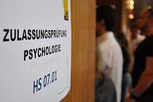 Seit 1. Juni bis zum 31. Juli 2012 kann man sich für die Zulassungsprüfung Psychologie registrieren.