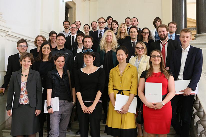 Die geehrten NachwuchswissenschafterInnen in der Hofburg: Michael Egger (4. Reihe von vorne, ganz rechts), Daniela Wagner (nebenstehend), Eva Klein (4. Reihe von vorne, 4. von rechts) und Lidija Rasl (1. Reihe vorne, ganz rechts) sind AbsolventInnen der K