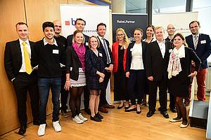 Schnittstellen im Wirtschaftsrecht untersuchte eine DoktorandInnen-Tagung an der Rechtswissenschaftlichen Fakultät. Dekan Johannes Zollner (Mitte) begrüßte. Foto: Uni Graz/Leljak.