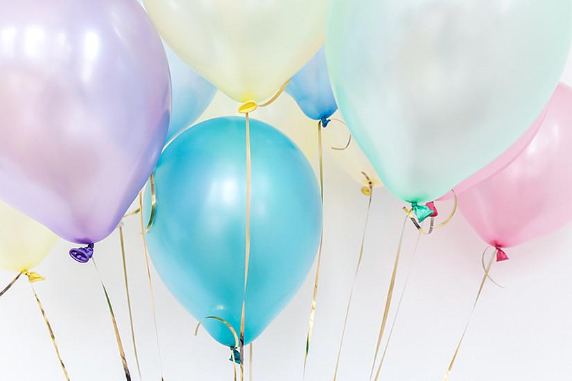 Aller Anfang ist schwer - auch, wenn man einen Luftballon aufblasen will. Warum eigentlich? Das wird unter anderem in der Experimentensammlung der KinderUniGraz erklärt. Foto: Polina Tankilevitch/pexels.com