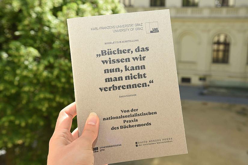 Das Booklet zur Ausstellung mit dem titelgebenden Titat von Erich Kästner