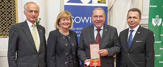 Verleihung des Ehrenzeichens der Fakultät an KR Dr. Günther Witamwas