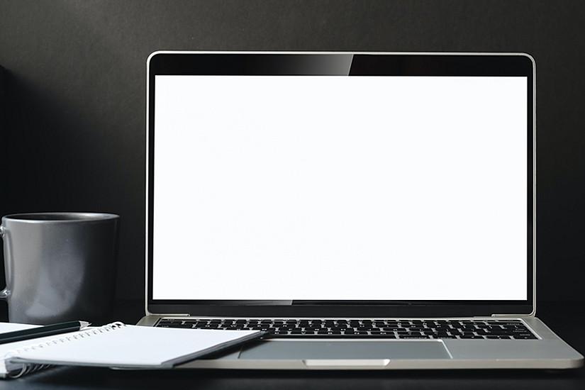 """Ist die Digitalisierung die Gewinnerin der Krise? Vizerektorin Petra Schaper-Rinkel beantwortet diese Frage im aktuellen """"Hör-Saal""""-Podcast. Foto: Bongkarn Thanyakij/pexels.com CC0"""