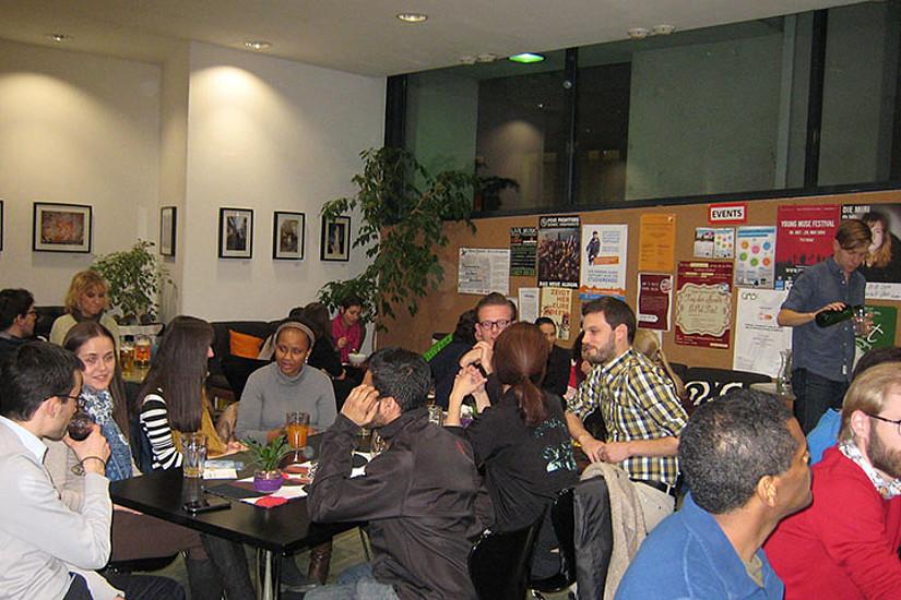 60 DoktorandInnen trafen sich im Uni Café. Fotos: DocService/Uni Graz