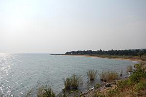 Das Forschungsgebiet des internationalen Teams ist der Tanganjikasee in Ostafrika. Der Tiefwasser-See ist der zweitgrößte und zweitälteste der Welt und verfügt über einen enormen Reichtum an unterschiedliche Fischarten. Foto: Koblmüller