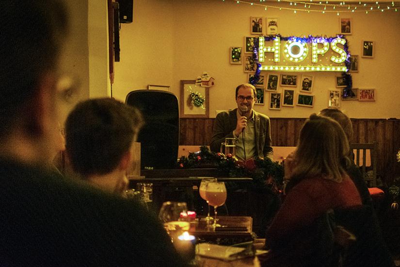 Thomas Gremsl zu Gast in der Wissenschaftsviertelstunde im Hops Craft Beer Pub. Foto: Schober