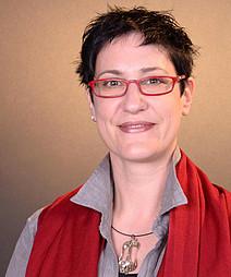 Assoz. Prof. Mag. Dr.phil. Daniela Holzer