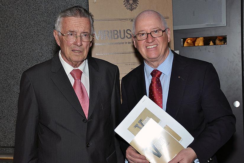 Gerold Ortner und Stefan Karner (v.l.) luden zur Ausstellungseröffnung.