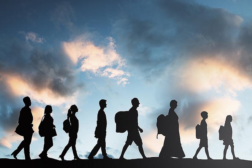 Migrationsbewegungen damals und heute vergleicht der Uni-Graz-Beitrag zur Großen Badischen Landesausstellung in Karlsruhe. Foto: Shutterstock/Andrey Popov