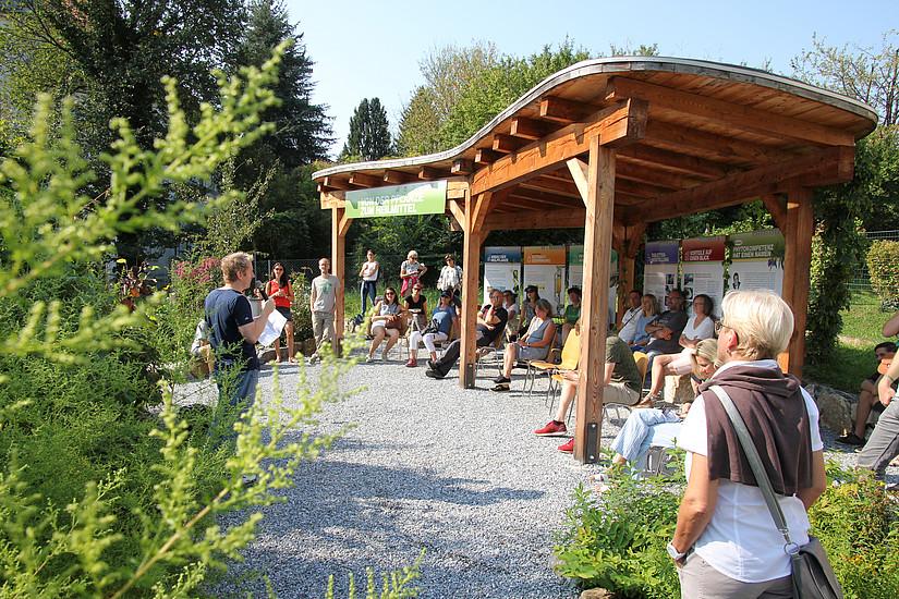 Molekularbiologe Fritz Treiber referierte im Bauerngarten über regionales Superfood (Foto: Uni Graz)
