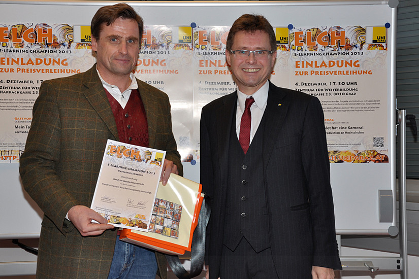 Den Anerkennungspreis für Lehrende erhielt Bernhard Weninger. Klicken Sie mit dem Pfeil nach rechts!