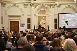 Insgesamt 600 Interessierte verfolgten die Nobel Lecture.