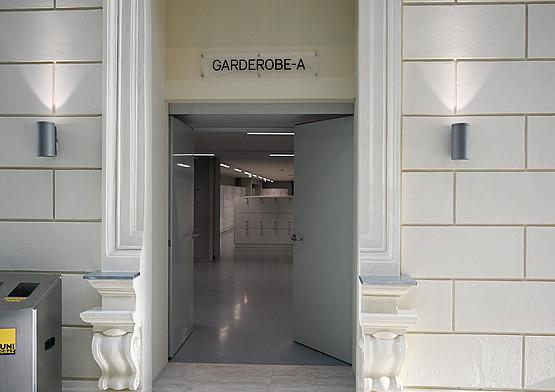 Über die Garderobe-A gelangt man ab Mitte Dezember in den Domenig-Bau und somit auch in das neue Studien-Service-Center.