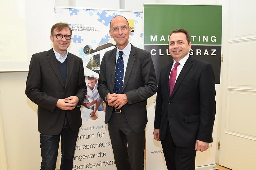 Wirtschaftsgespräche: Moderator Bernhard Weber (Zentrum für Entrepreneurship und angewandte Betriebswirtschaftslehre), Peter Filzmaier und SOWI-Dekan Thomas Foscht.