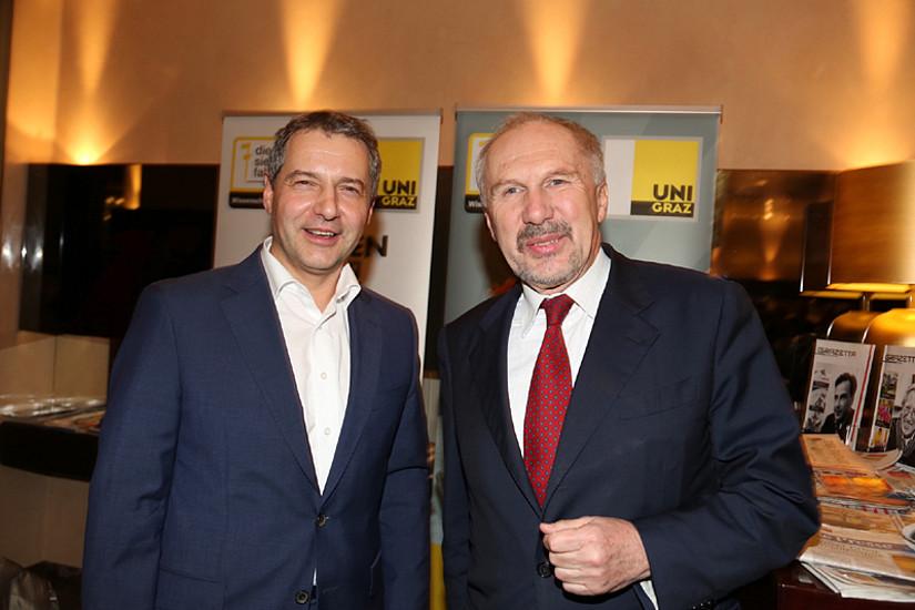 Politik Cafe-Gastgeber Markus Steppan (links) begrüßte am 16. Jänner 2013 Nationalbank-Gouverneur Ewald Nowotny