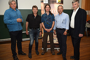 Was bedeutet nachhaltig? Darüber diskutierten Werner Boote, Manfred Hohensinner, Clemens G. Arvay, Markus Steppan und Karl Steininger (v. l.) Foto: Uni Graz/Schweiger
