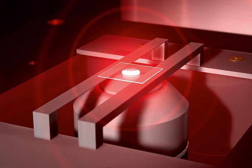 Fangen und Verfolgen von Mikropartikeln mit Hilfe eines einzelnen Lichtstrahls. Bild: Uni Graz/Banzer