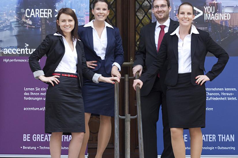 So sehen GewinnerInnen aus: Die vier Studierenden der Uni Graz.