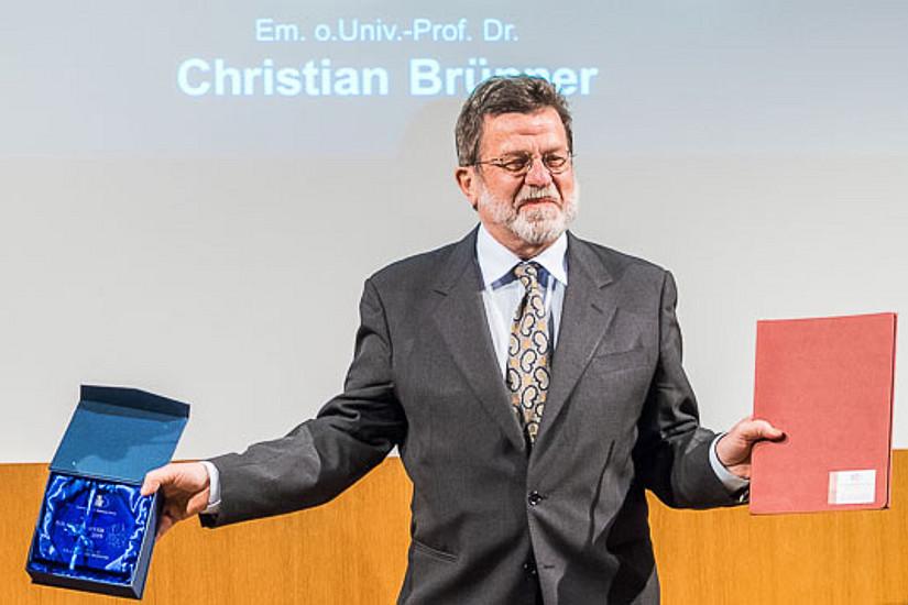 Christian Brünner bei der Verleihung des Polarsternpreises 2015. Foto: Karolo Riegler