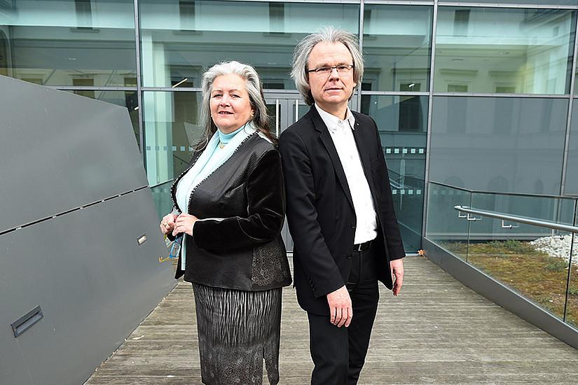 Irmtraud Fischer und Andreas Kungl bringen Naturwissenschaft und Theologie zusammen. Foto: Uni Graz/Schweiger