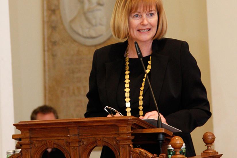 Rektorin Neuper verwies auf die Verdienste um die Universität.
