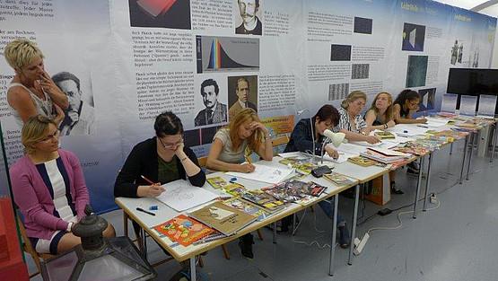 Sechs Comic-Zeichnerinnen nahmen am diesjährigen Comic-Workshop im UniGraz@Museum teil.