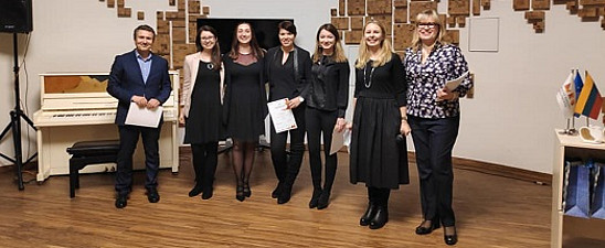 Sascha Ferz, Verena Gschweitl, Lisa Kunauer, Christina Rodlauer, Johanna Kathan, Agne Tvaronaviciene, Natalija Kaminskiene (v.l.)