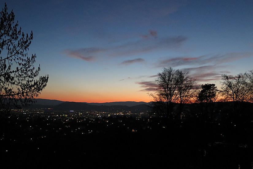 Stimmungsvolle Blicke auf Graz und ins Weltall gibt's am Observatorium Lüstbühel im Rahmen des Österreichischen Astronomietages am kommenden Freitag. Foto: Uni Graz/Ratzka