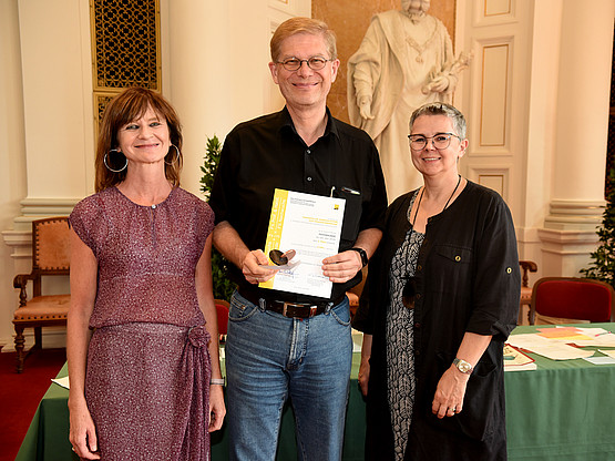 Den dritten Platz bekam die Psychologie: Martin Arendasy nahm den Preis entgegen.