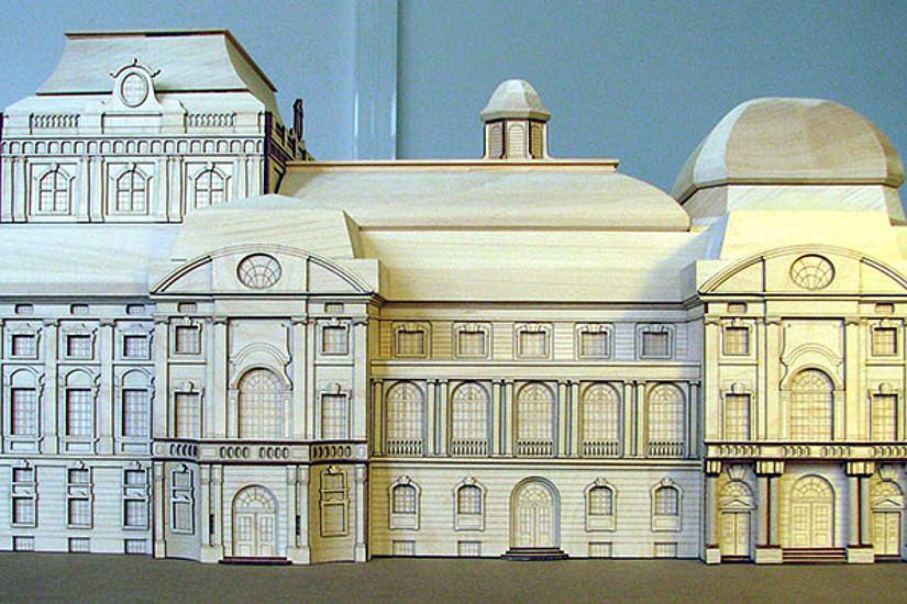 Das Modell der Studierenden zeigt eine Rekonstruktion der Grazer Oper im Maßstab 1:100.