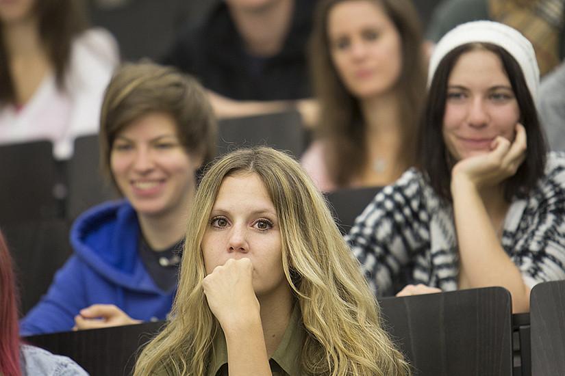 Studierende aller Fachrichtungen profitieren von den Lehrveranstaltungen des Basismoduls. Foto: Uni Graz/Lunghammer