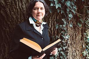 """Universitäre Lehre hat sich im Laufe der Zeit gewandelt. """"Ob wir demnächst auch einen Lehrroboter im Talar begrüßen dürfen – wer weiß?"""", schreibt Religionswissenschafterin Theresia Heimerl. Foto: Uni Graz/Penz"""