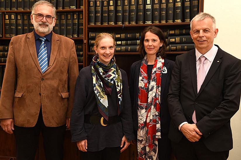 Diskussion über PISA und Co.: GEWI-Dekan Michael Walter, Sigrid Hartong, Gudrun Salmhofer und Alois Ecker (v. l.) Foto: Uni Graz/Schweiger