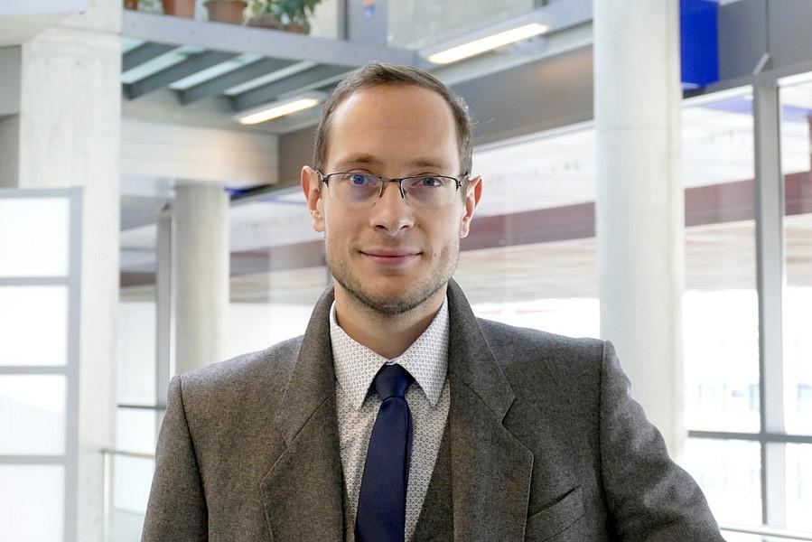 """Jurist Jürgen Pichler ist ebenfalls Träger des Preises """"Lehre: Ausgezeichnet"""" für das Studienjahr 2019/20. Foto: Jürgen Pirker"""