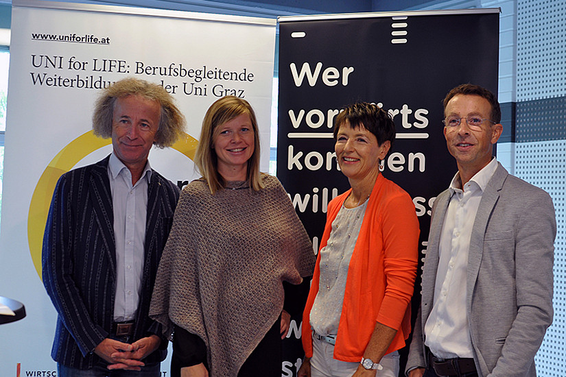 Josef Zollneritsch, Maria Andrlik, Karin Landerl und Stephan Witzel präsentierten den neuen Universitätslehrgang Schulpsychologie. Foto: UNI for LIFE.
