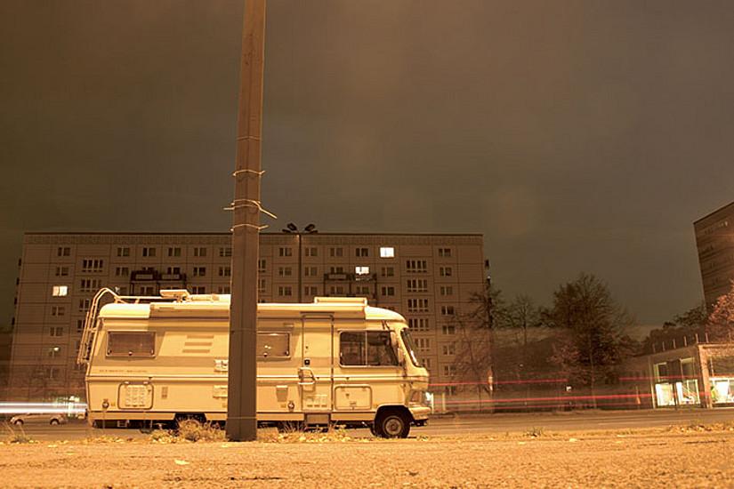 Campingbus in der Stadt