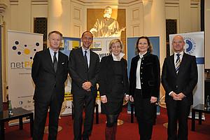 Brachten Licht ins Mysterium Budget: Jochen Pildner-Steinburg, Peter Filzmaier, Kristina Edlinger-Ploder, Bettina Vollath und Peter Plaikner (v. l.)