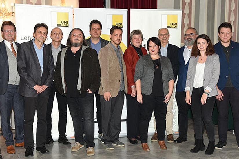 Die GewinnerInnen der Lehrpreise mit Vizerektor Martin Polaschek sowie Michael Ortner und Hannah Christof von der ÖH. Foto: Uni Graz/Pichler