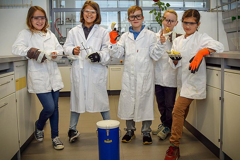 Forschung macht Spaß: Unter diesem Motto bringt die KinderUniGraz seit 15 Jahren Wissenschaft Kindern und Jugendlichen näher. Nächster Termin: Die Science-Busters-Show am 26. Februar an der Uni Graz. Foto: KinderUniGraz.