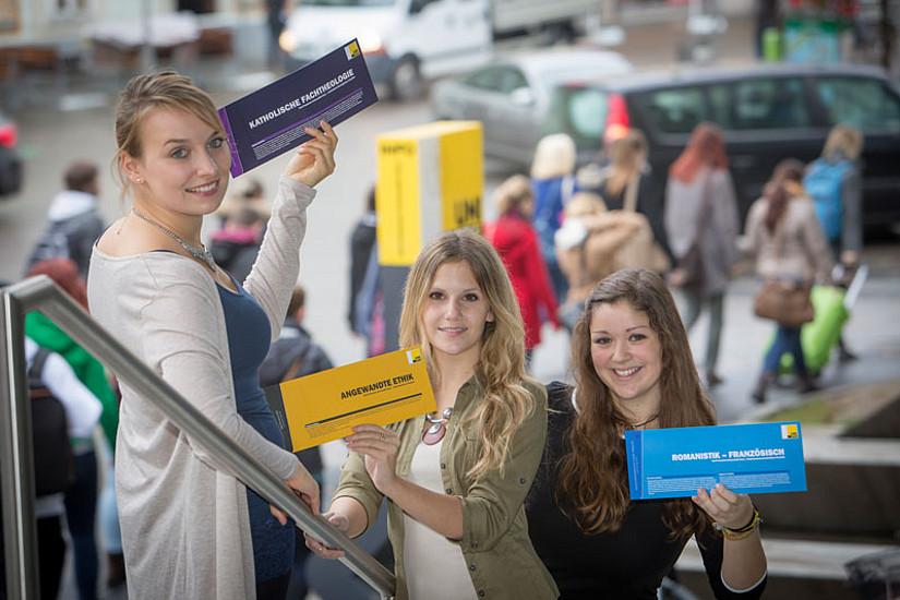 Wer erstmalig an der Uni Graz ein Studium inskribieren möchte, muss die Datenerfassung elektronisch absolvieren und dann einen Termin in der Studien- und Prüfungsabteilung auswählen. Seit 15. Juni ist dies möglich. Foto: Uni Graz/Lunghammer
