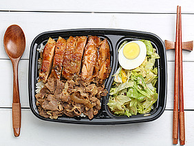 Chicken rice, bento, fast food, nutrition, health, chicken, cooking, food, lunch, lunch box, box, fresh, meat, fat, package, restaurant, grilled chicken, teriyaki, rice, specialties, Japan, Japanese, Asia, set meal, Beef, Japanese, cuisine, take out
