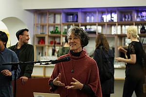 Karen Tei Yamashita, renommierte Schriftstellerin und Professorin an der University of California, referierte in Graz. Foto: Markus Diepold.