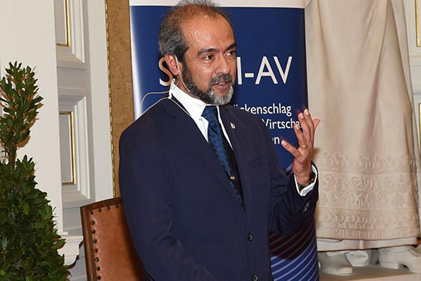 Rahul Prasad, Präsident der Association of Yale Alumni, sprach über die Bedeutung von AbsolventInnen-Organisationen am Beispiel jener der renommierten Yale University.